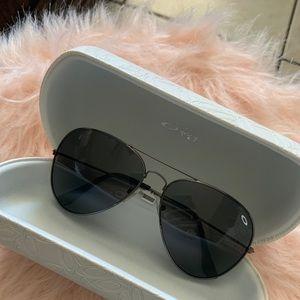 Auth Oakley women's aviator sunglasses Nwot